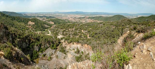 Panoràmica des de la part alta de la Pedrera de Can Gallemí
